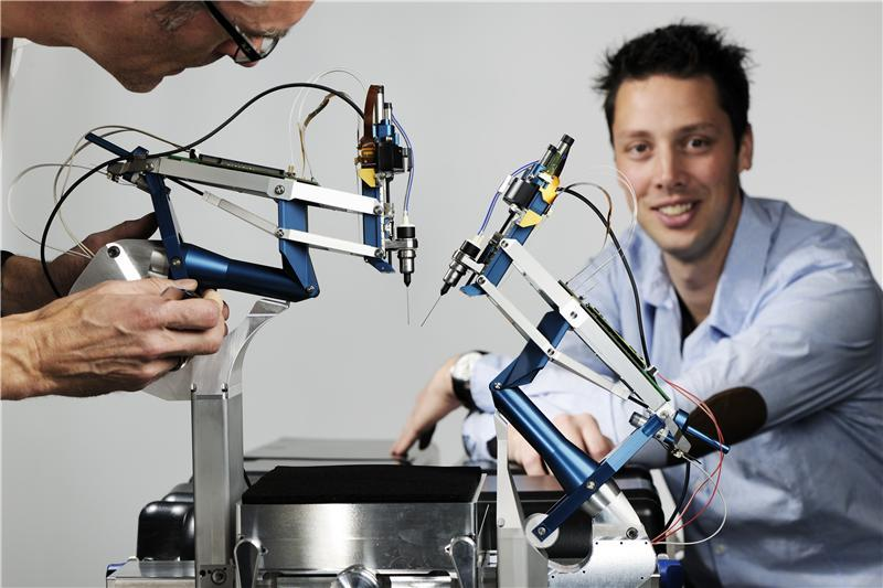 ربات بسیار دقیق و پیشرفته برای جراحی سریع چشم!